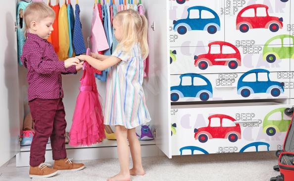 Dětská nálepka auta na skříň