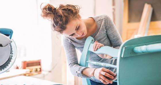 Jak využít volný čas? Levná rekonstrukce bez vycházení z domova je skvělou volbou!