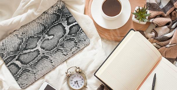 Nálepka na notebook s imitací kůže