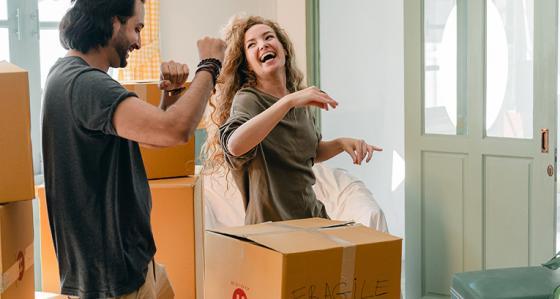 První stěhování z domova – co si vzít s sebou na studia a jak zařídit nový byt?