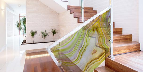 Vitrážová nálepka na skleněnou balustrádu